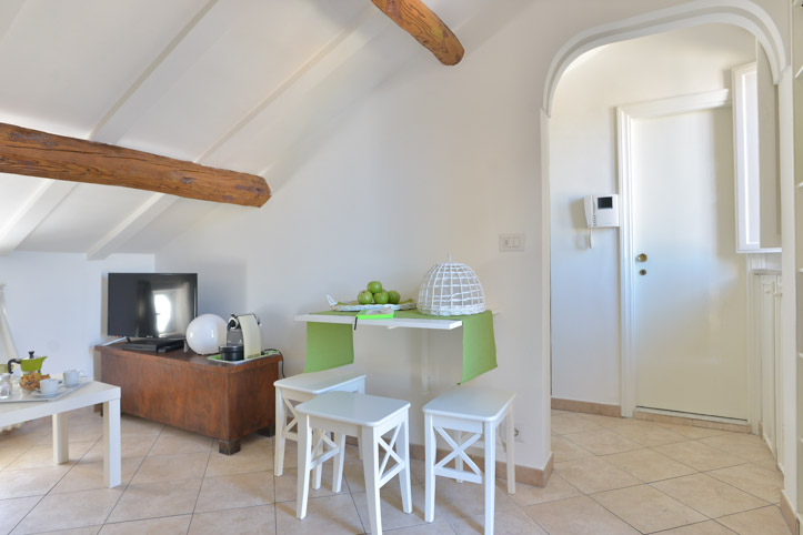 Appartamento ristrutturato a Prati - Roma | Soggiorno | 02A