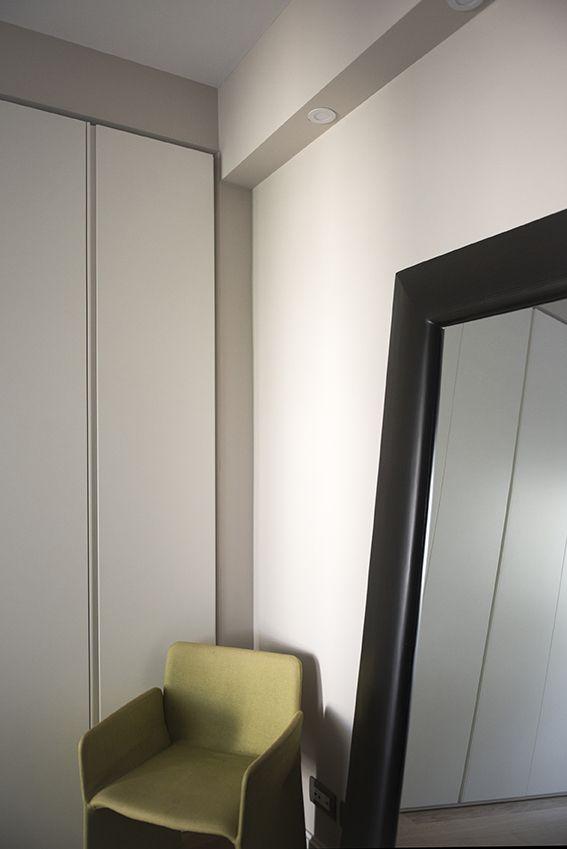 Camera da Letto | Dettaglio armadio su misura e specchio ...
