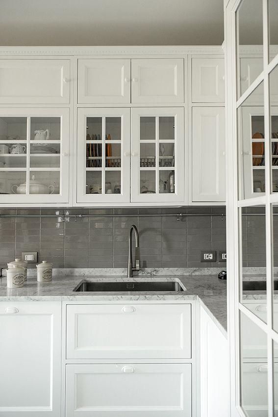 Cucina | Dettaglio del lavandino e paraschizzi in piastrelle | 02A