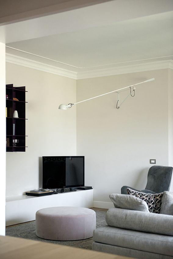Dettaglio della zona tv in soggiorno